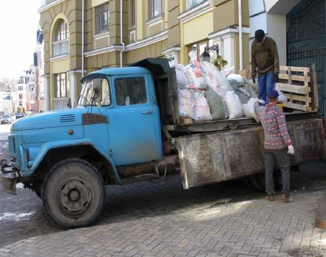 Предложение: Помощь в погрузке и вывозе мусора.Зил.