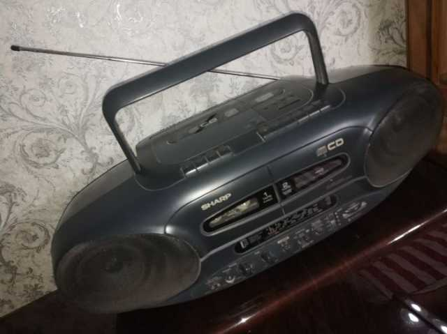 Продам Двухкассетная магнитола Sharp WQ CD 220L