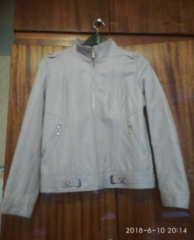 Продам Новая куртка 44-46 размера демисезонная