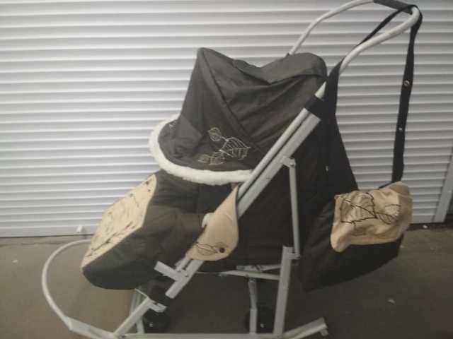 Продам зимнюю коляску