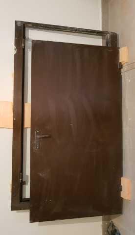 Продам Дверь входная металлическая