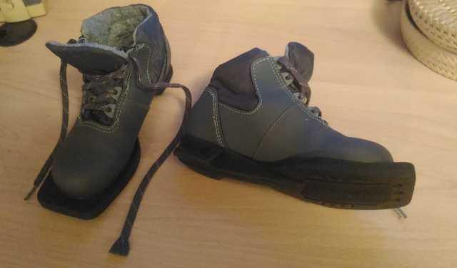 Продам Лыжные ботинки, детские,33 размер