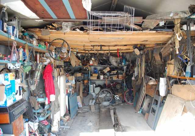 Предложение: Вывезу мусор из гаража, освобожу от хлам