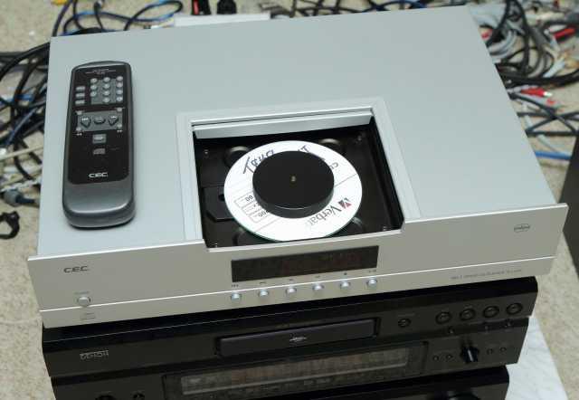 Продам CD-проигрыватель C.E.C. TL 51 XR