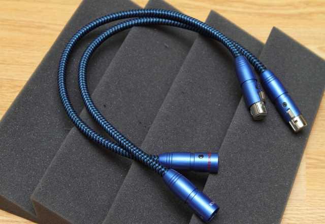 Продам кабель межблочный Audioquest DiamondBack
