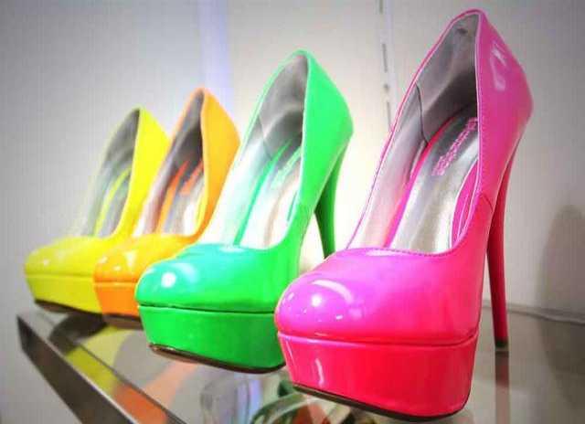 Продам Оптовая торговля одеждой и обувью