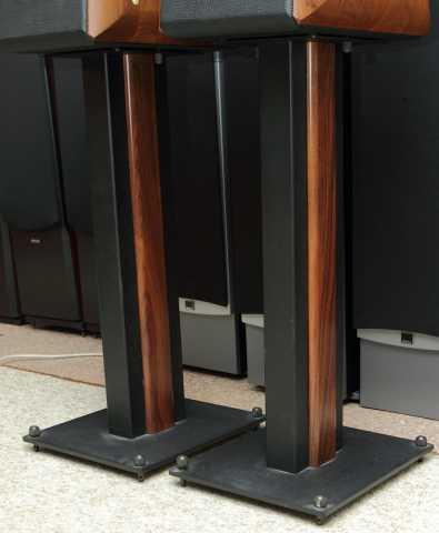 Продам стойки Sonus Faber Iron Fixed Stands