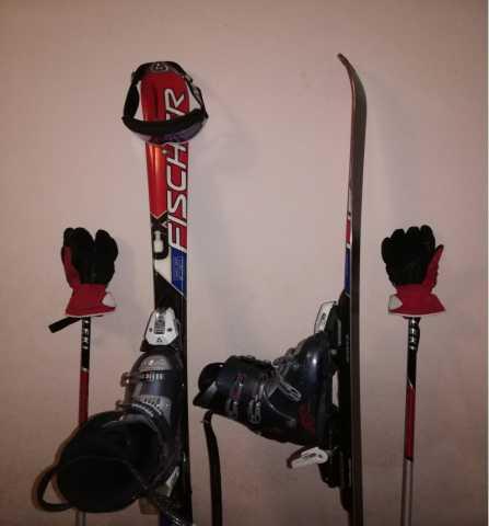 Продам Комплект горных лыж
