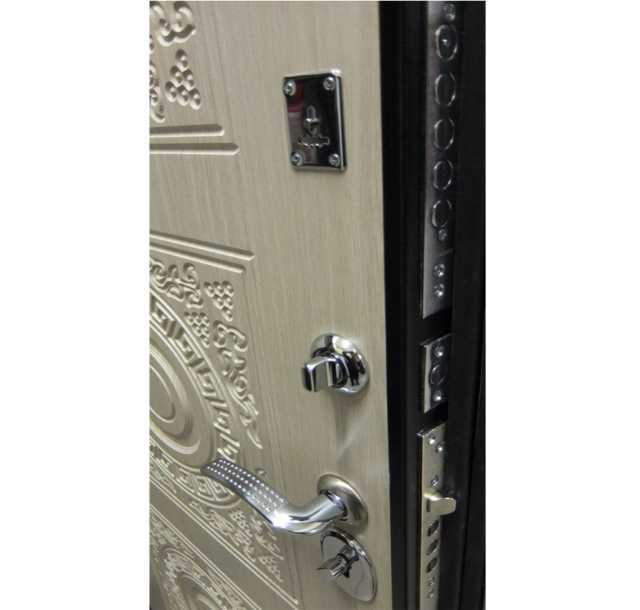 Продам: Входная дверь Богемия