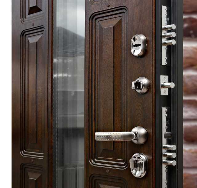 Продам: Входная дверь Корона