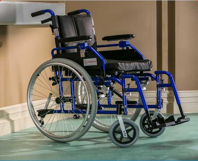 Продам инвалидную кресло-коляску armed5000