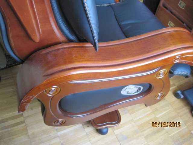 Продам Редкое королевское кресло с широкими