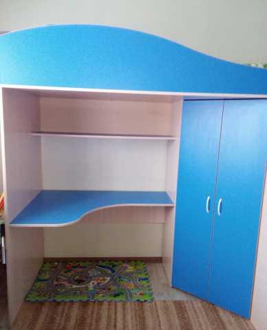 Продам детская кровать-чердак с рабочей зоной