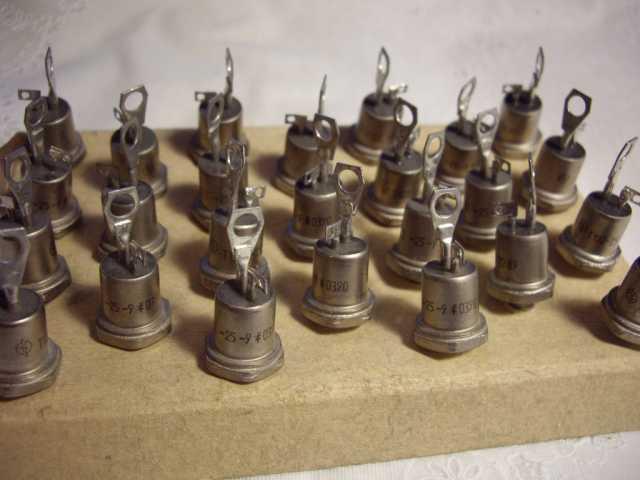 Продам: Тиристоры Т122-25-9 на 900 вольт
