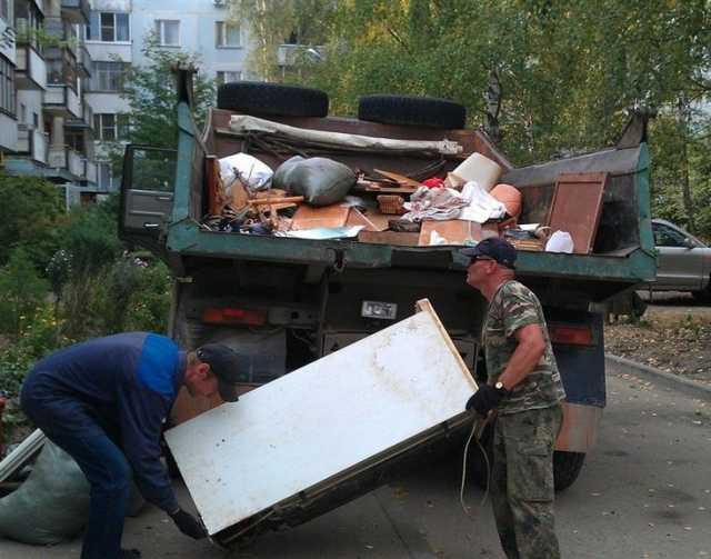 Предложение: Вывоз старой мебели и любых вещей.