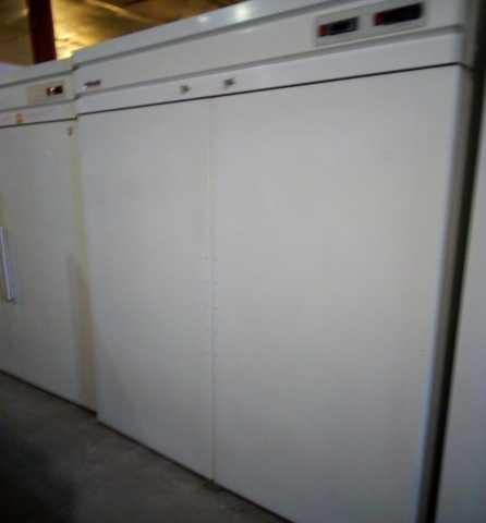 Продам Холодильный шкаф Polair б/у 1400 л
