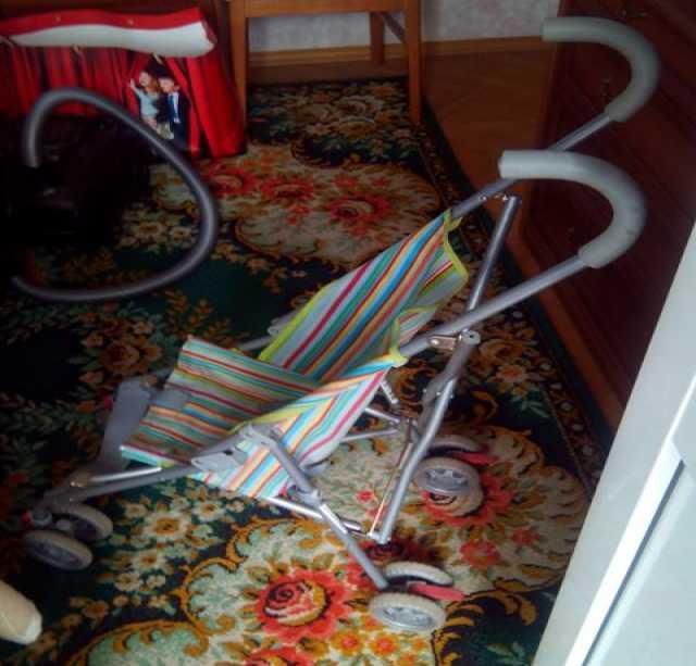 Продам коляску-трость