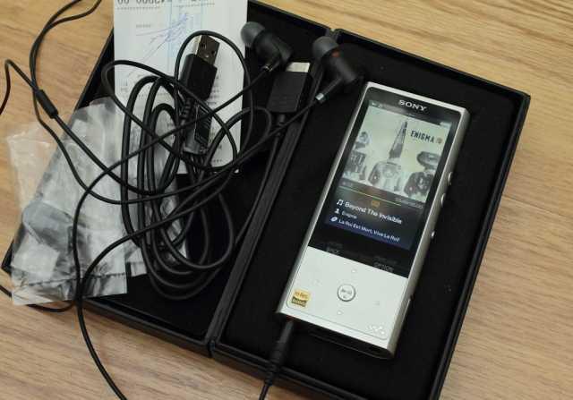 Продам плейер Sony NW-ZX100