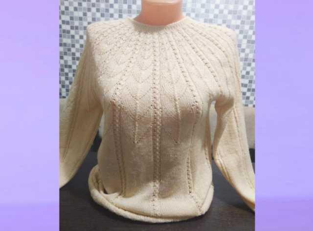 Предложение: Пуловер с ажурной кокеткой