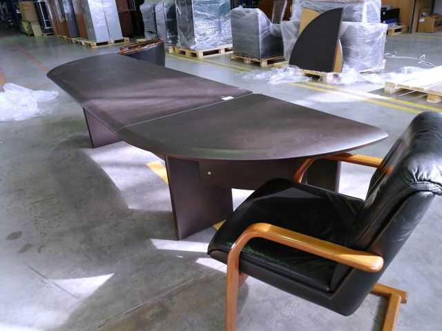 Продам стол переговорный