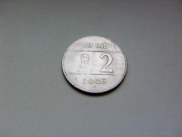 Продам 2 Рупии 2006 год Индия