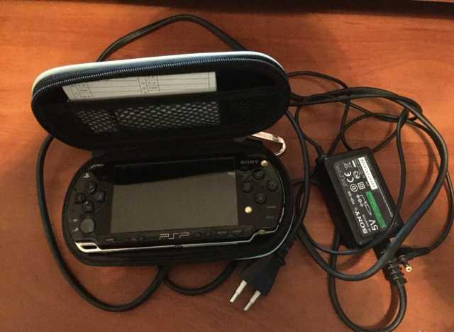Продам Приставка PSP 3008 8gb Прошитая с играми