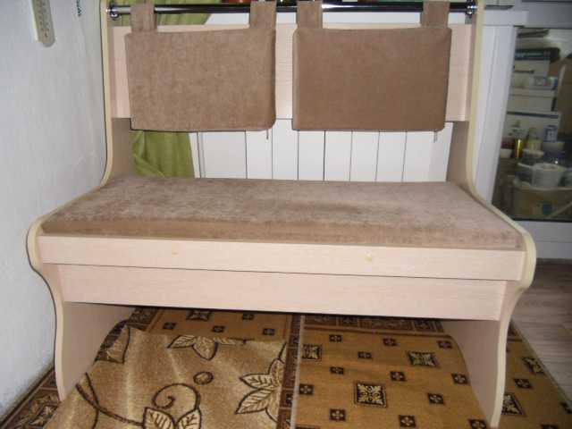 Продам: диванчик на кухню новый