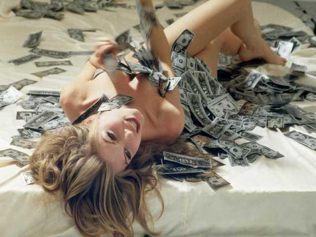 Вакансия: Высокооплачиваемая работа девушкам.