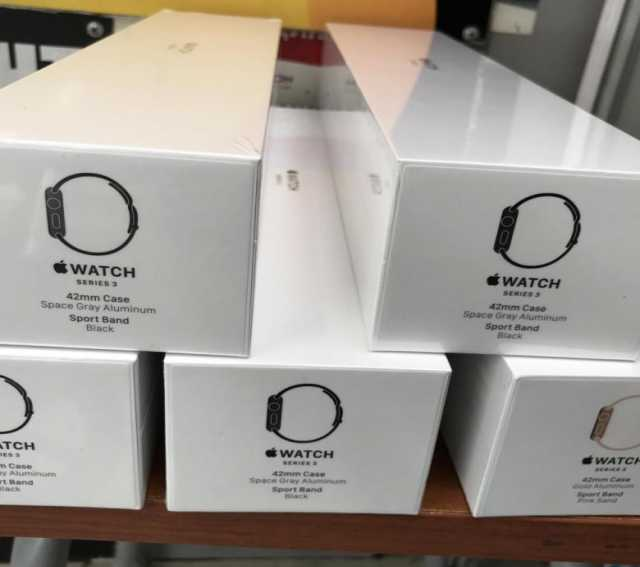 Продам Apple Watch Series 3, Series 4