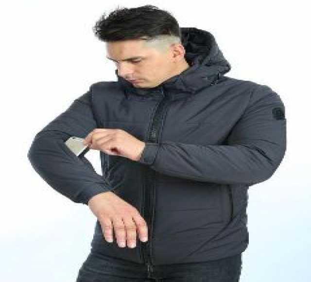 Продам Мужские демисезонные куртки