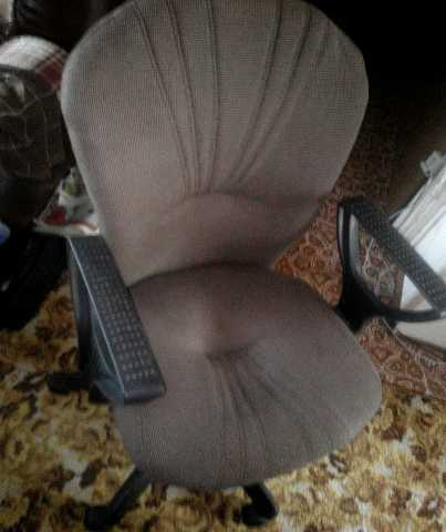 Продам стулья черные и кресла дороже