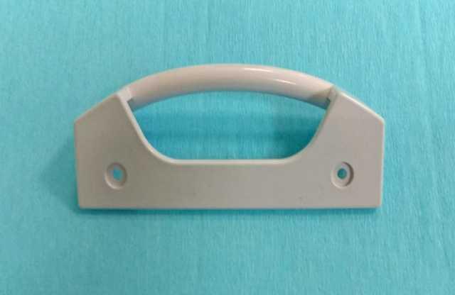 Продам Ручка двери холодильника Bosch 35BS012