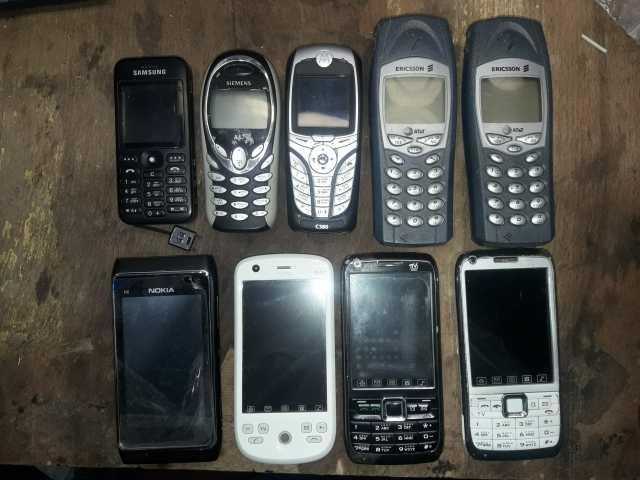 Продам неисправный телефон