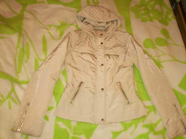 Продам Не много  утепленная курточка