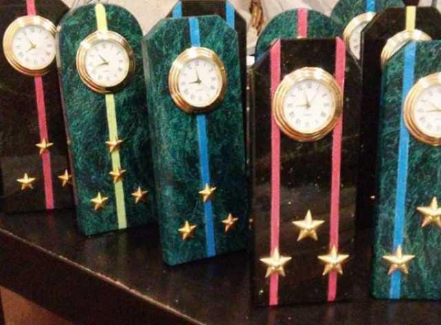 Продам: часы Погон из камня