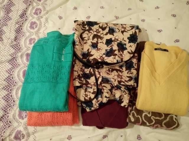Продам: джемпера пакетом 6 шт+блузка