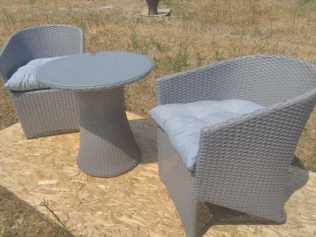 Продам кресла стол обеденный