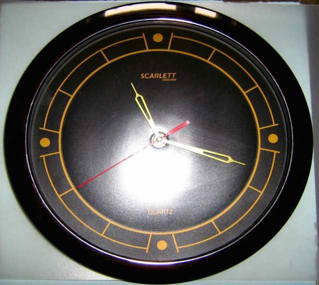 Продам настенные кварцевые часы scarlett
