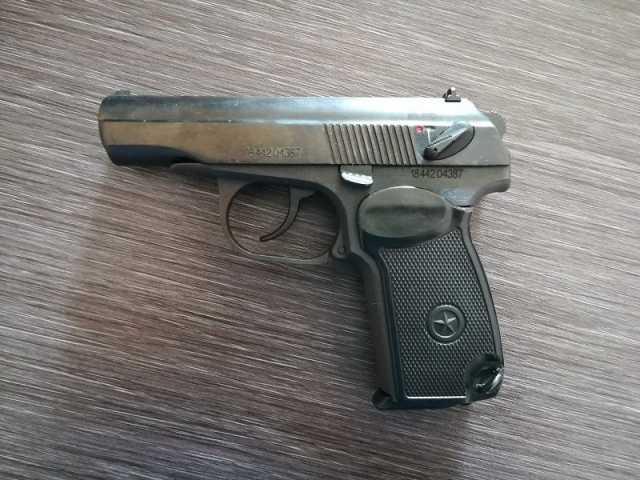 Продам Охолощенный пистолет Макарова р-411