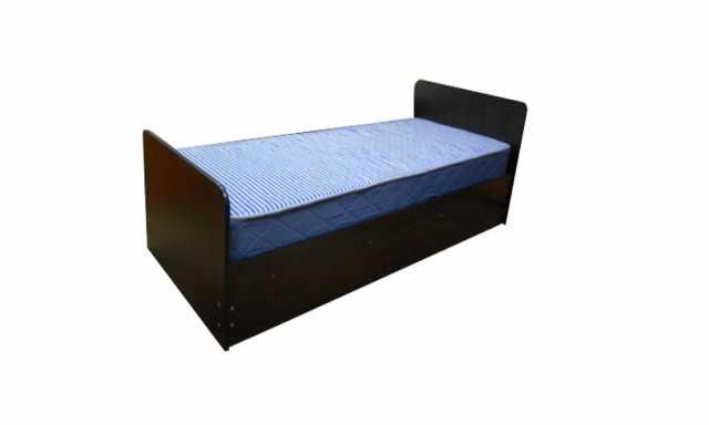 Продам: Кровать ЛДСП с пружинным матрасом
