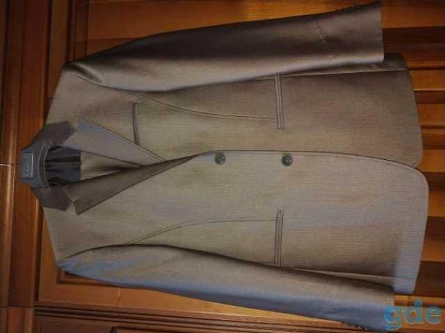 Продам Новый мужской юношеский костюм { VALENTI