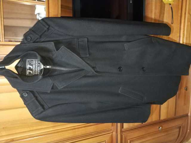 Продам Черное тканевое укороченное пальто