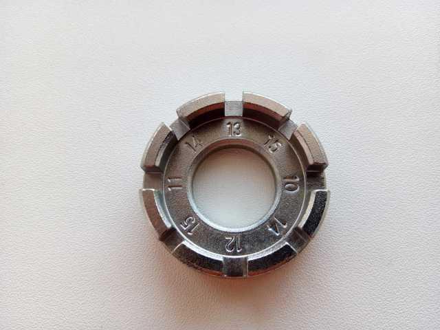 Продам Спицевой ключ 650р.