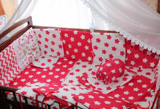 Продам: комплект в детскую кроватку