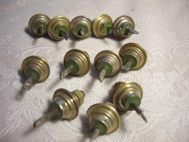 Продам: Диод КД2001  12 штук