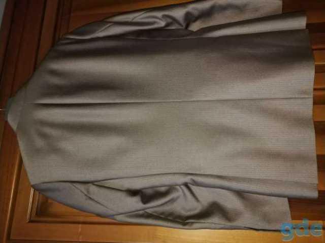 Продам Новый мужской костюм { VALENTI }