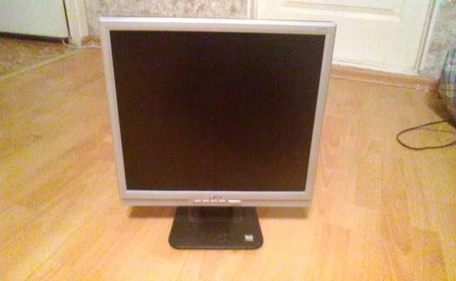 Продам LCD-монитор