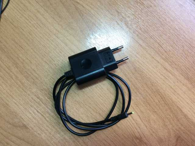 Продам Сетевое зарядное устройство WEXLER