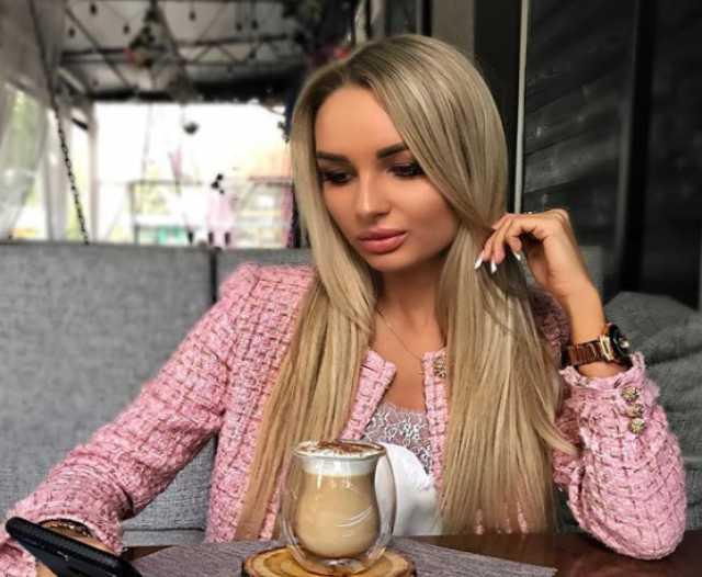 Вакансия: Требуются девушки в город Москва)