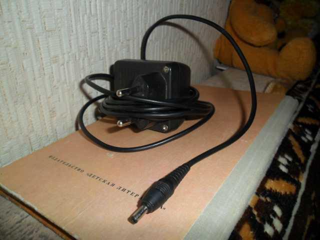 Продам: Зарядники к сотовым телефонам разные